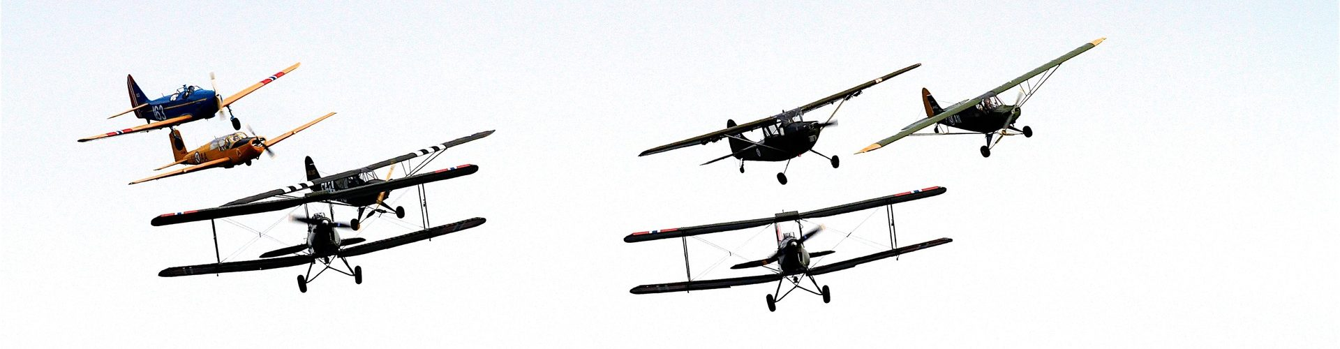 7 avions en vol